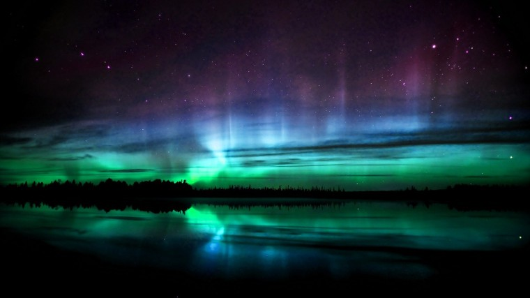 6860114-polar-lights-wallpaper.jpg